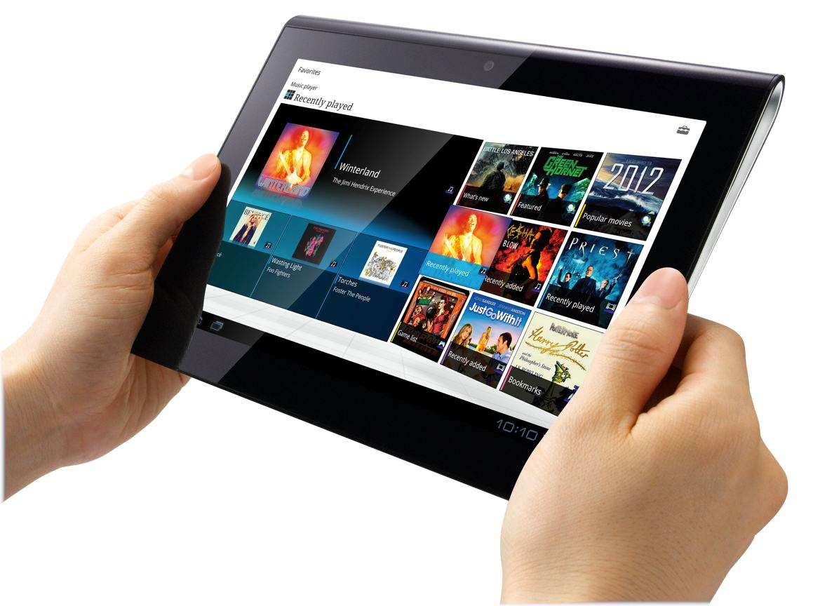 sony-tablets1-hands2-lg[1]